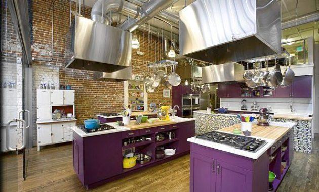 Desain Dapur Minimalis Tanpa Kitchen Set Dengan Warna Stabilo