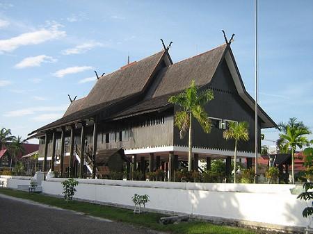 Adat Kalimantan Dalam Membuat Rumah Sakti Desain